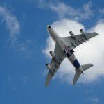 Foto van vliegtuig in de lucht